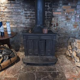 Kings Head log burner